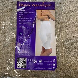 Design Veronique above knee girdle